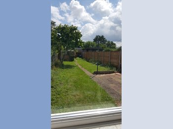 2 modern double rooms-excellent transport links!