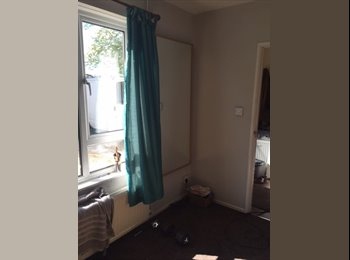 EasyRoommate UK - Double room available in Headington, Lye Valley - £620 pcm