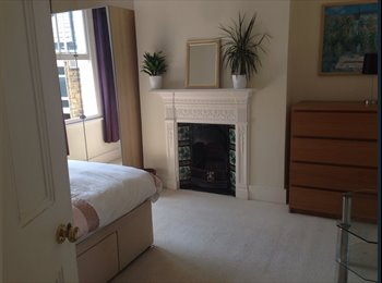 Luxury double room available - female SW4 Clapham South