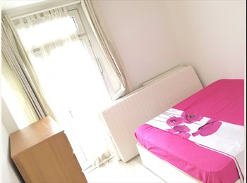 EasyRoommate UK - Double room  ALL. Incl., Somerstown - £900 pcm