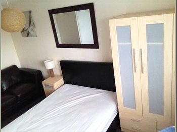 EasyRoommate UK - large Double Room, Witham - £475 pcm