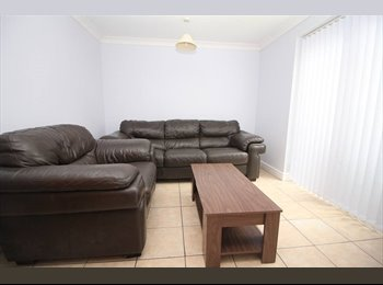 EasyRoommate UK - No Deposit or Upfront Fees! - Double in PR1, Preston - £300 pcm