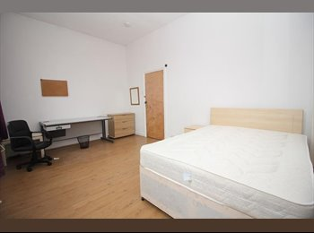 EasyRoommate UK - No Deposit or Upfront Fees! - Double in PR1, Preston - £320 pcm