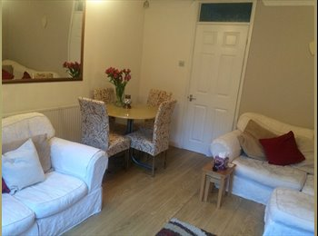 EasyRoommate UK - Room to rent in house share, Short Heath - £300 pcm