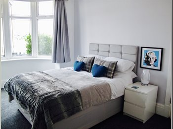 EasyRoommate UK - SMART Double room in fantastic house., Blackpool - £420 pcm