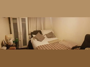 EasyRoommate UK - Lovely room for rent in a two bedrooms flat- Great location in Southampton, The Polygon - £393 pcm