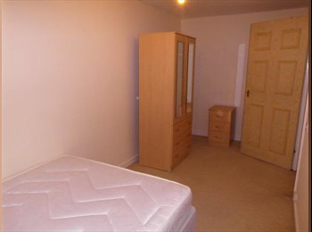 EasyRoommate UK - Double Room in Newcastle City Centre , Princess Square - £310 pcm