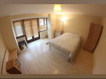 EasyRoommate UK - Small double room available in E14*All Bills Inc.*, Deptford - £600 pcm