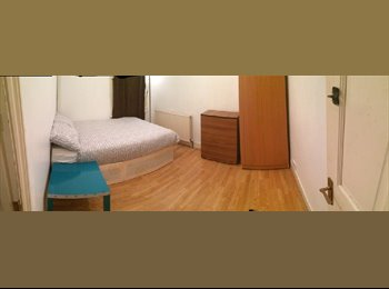 EasyRoommate UK - Double Room in Stratford *All Bills Inc.*, Plaistow - £520 pcm
