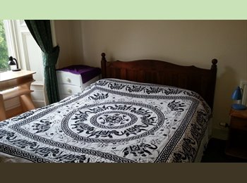 EasyRoommate UK - Double Room with Separate Study, Haymarket, Coates - £650 pcm