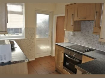 EasyRoommate UK - Double room available in a 4 bed spacious house share in New Houghton. Just a short distance from Ma, Mansfield - £300 pcm