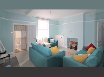 2 Bedrooms in a 6 bedroom house available