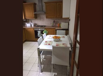 **LIMEHOUSE-BEAUTIFUL DBL ROOM IN A NICE HOUSE**