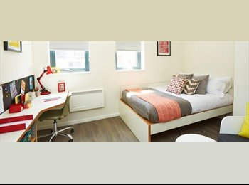 New student ensuite city centre accommodation room
