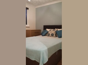 Wonderful double room in excellent house share
