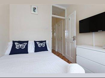 Beautiful Small Dbl + TV - Stepney GReen/Limehouse