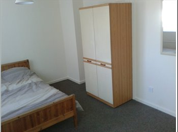 EasyRoommate UK - Lovely rooms avaiable including all Bills , Stevenage - £390 pcm