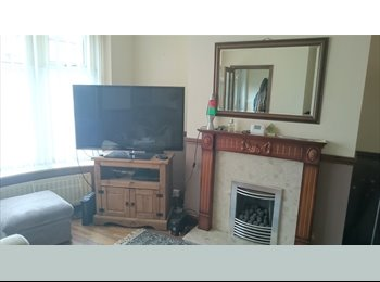 EasyRoommate UK - Cosy room(s) in quiet cul-de-sac near JCUH, Middlesbrough - £450 pcm