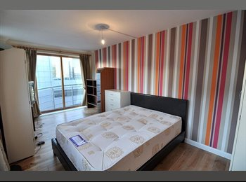 Moderate Double Rooms in Canary Wharf For Rent.