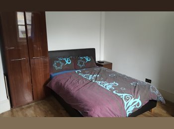 Large and new DOUBLE room in Shoredicth/Brick Lane