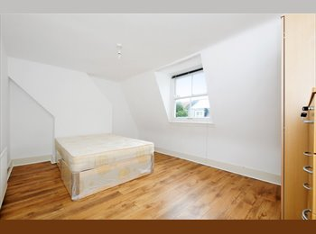 LOVELY DOUBLE ROOMS AVAILABLE IN PERIOD HOUSE IN STEPNEY...