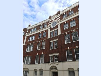 EasyRoommate UK - Notting Hill : Room available in a beautiful flat, Kensington - £940 pcm
