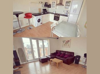 LUXURY DOUBLE ROOM AVAILABLE IN MODERN HULME APARTMENT