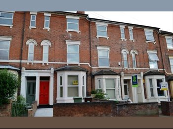 Final room in a 6 bed house! Ideal location!