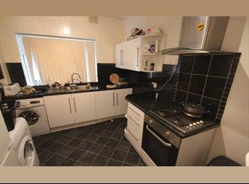 EasyRoommate UK - Newly Refurbished Double Room, Fallowfield - £460 pcm