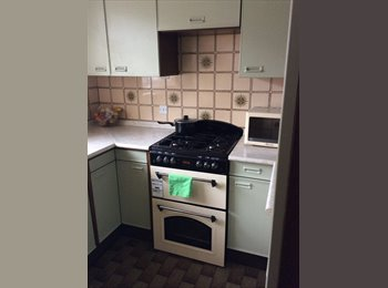 EasyRoommate UK - Double Room - Available Now - £425 Inc Bills - Near Station - Rochester, Rochester - £425 pcm