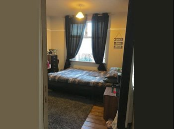 Room to rent, 2 bed house close to city centre.