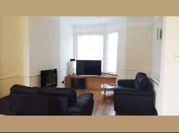 2 LARGE & 2 SMALL BEDROOMS AVAILABLE TO RENT IN SALFORD7...