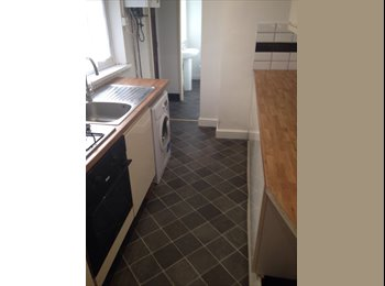 EasyRoommate UK - Single Room, Stoke-on-Trent - £320 pcm