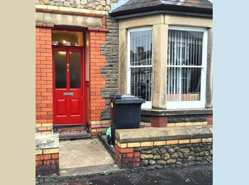EasyRoommate UK - Double bedroom in social house, Cathays - £340 pcm
