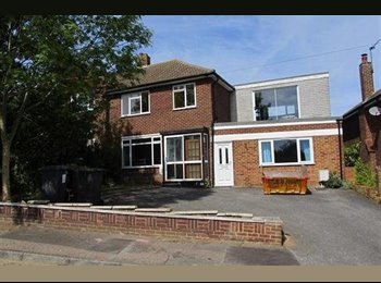 EasyRoommate UK - Hillview Road, Canterbury, close to UKC! , Canterbury - £380 pcm