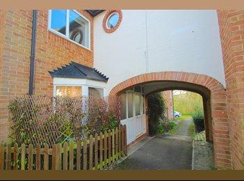 EasyRoommate UK - Large double Bedroom New House , Billing Park - £595 pcm