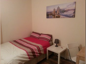 EasyRoommate UK - Lovely Double room In Pimlico (Zone 1), Pimlico - £720 pcm