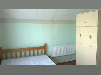 EasyRoommate UK - Furnished Double Room, Walsall - £325 pcm