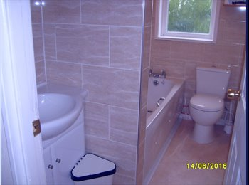 EasyRoommate UK - Lush dbl for One in tidy shared house. Bills inc. 6 Months min Nr M/cr CC, Salford - £495 pcm