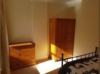 EasyRoommate UK - Double room in fantastic house in Walkley, Crookesmoor - £430 pcm