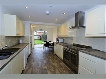 EasyRoommate UK - Victorian meets Contemporary, last two rooms..., Norcot - £515 pcm