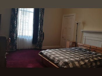 All inclusive large Double room in Bruntsfield