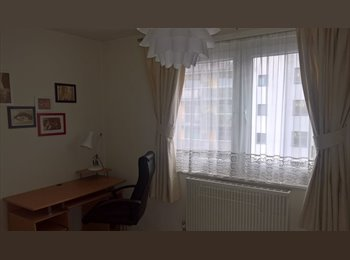 EasyRoommate UK - Double Room Available in SE1, London - £800 pcm