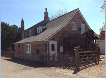 EasyRoommate UK - PEACEFUL LOCATION (PE12 0PZ) OFFERING COSY, WARM & COMFORTABLE ENSUITE ROOMS TO LET - Holbeach, Spalding - £415 pcm