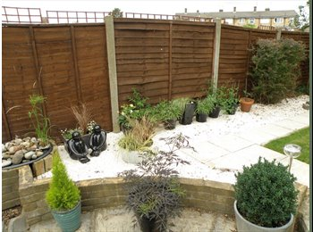 Double Room for Professional in Friendly House Share