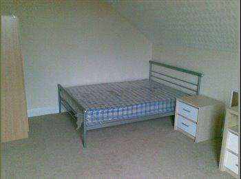 South Leeds - V Large Room - Grovehall Drive