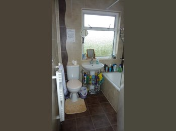 EasyRoommate UK - Studio room for rent in Maidstone *All bills incl* - Maidstone, Maidstone - £450 pcm