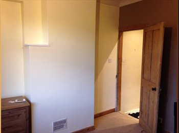 EasyRoommate UK - Harogate large double room to rent - Bilton, Harrogate - £400 pcm