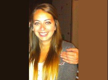 sophie - 23 - Student