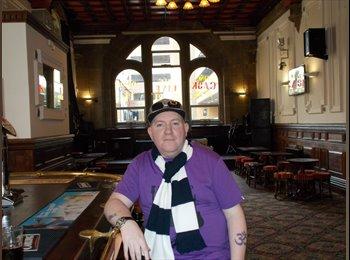 EasyRoommate UK - Phil - 44 - Blackpool